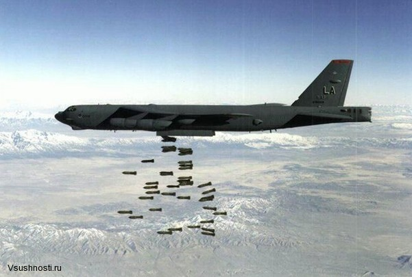 Боинг B-52 - американский стратегический бомбардировщик (1)